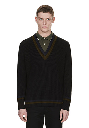 Laurel Wreath Fishermans Rib V-Neck Jumper